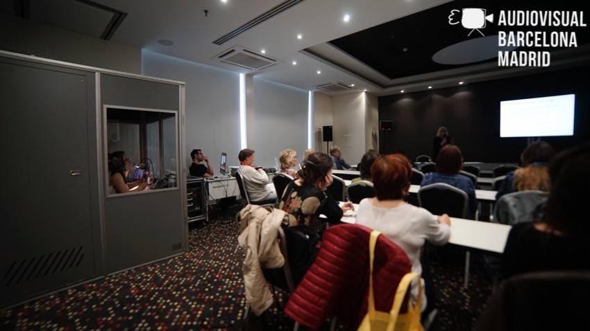 Alquiler de traducción simultánea en Barcelona para evento